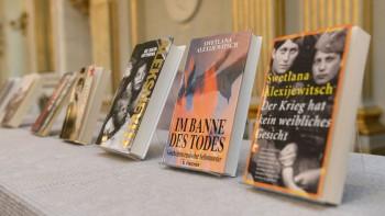 Ediciones alemanas de los libros de la flamante premio Nobel de Literatura